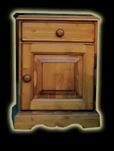 Fenyő Albert éjjeli szekrény